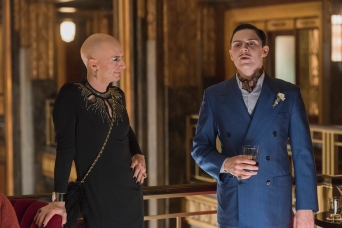 "AMERICAN HORROR STORY -- ""Be Our Guest"" Episode 512 (Airs Wednesday, January 13, 10:00 pm/ep) Pictured: (l-r) Denis O'Hare as Liz, Evan Peters as Mr. March. CR: Prashant Gupta/FX"